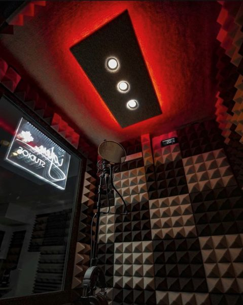 The interior of a 4'x4' Vocal Booth by WhisperRoom
