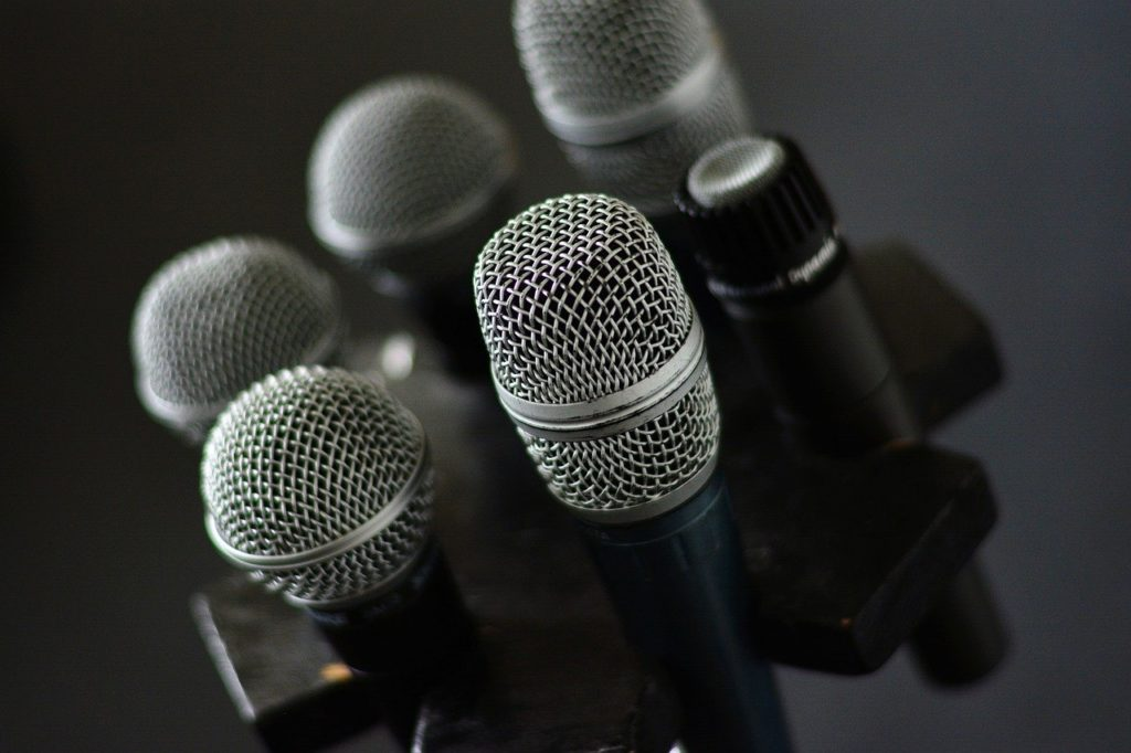 several microphone grouped together for picture