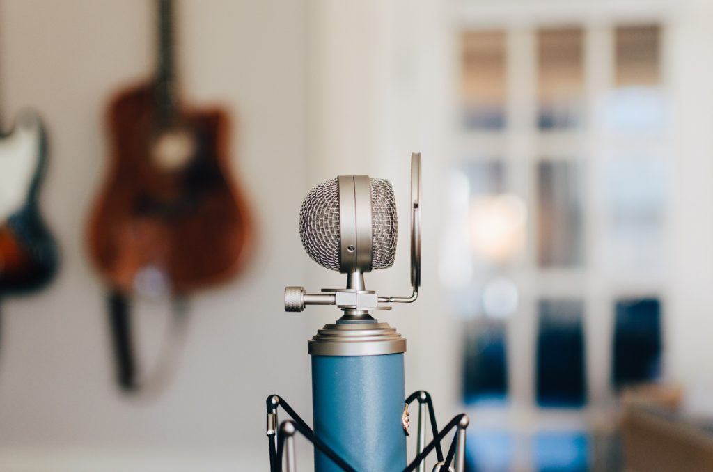 A condenser mic with a pop filter